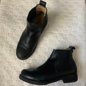 Frye black leather ankle chelsea boots size 5